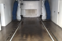 Waschhallenreinigung BMW Autohaus - Vorher
